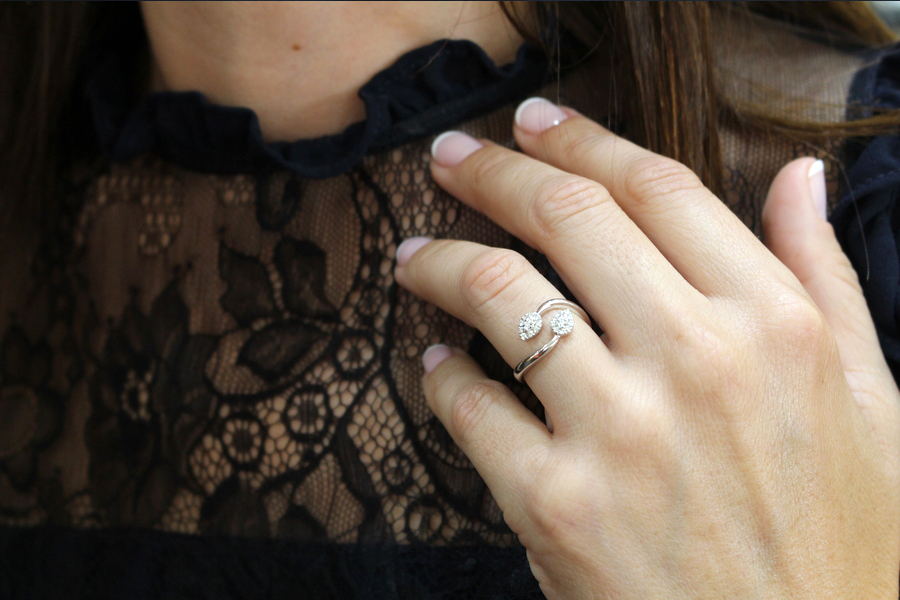 anillo con diamantes - anillo oro blanco - tiendas joyas alicante - joyerias alicante - joyeria marga mira