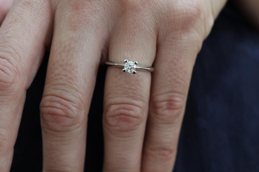 anillo de compromiso oro blanco diamante - donde comprar anillos compromiso alicante - engagement rings alicante - jewelries alicante - lurury alicante
